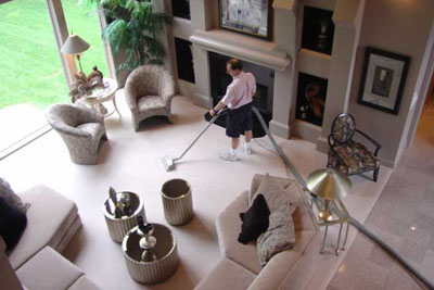 cleaning-carpet-in-a-home.jpg